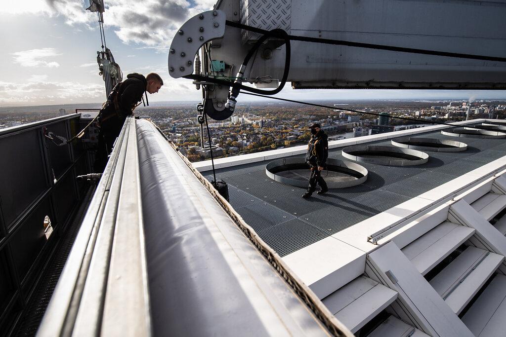 172170-HASS-Der-hoechste-und-tiefste-Arbeitsplatz-Fensterpotzer-63.jpg